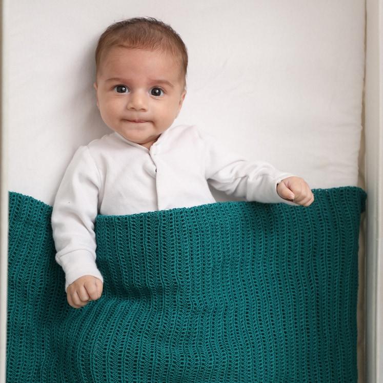 שמיכת תינוק סרוגה - טורקיז